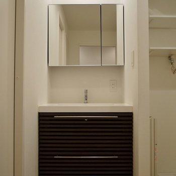 洗面台もキレイでしょ♪。※写真は前回撮影時のもの