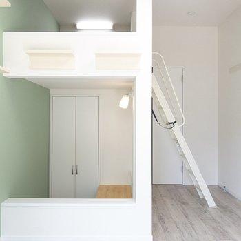 ロフトを登ってみよう〜※写真は1階の同間取り別部屋のものです