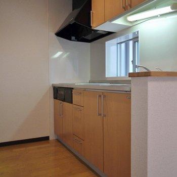 キッチンは中々の大きさ!