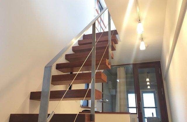 階段に魅せられてのお部屋