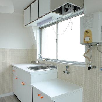 なんだか、癖になるデザインのキッチン