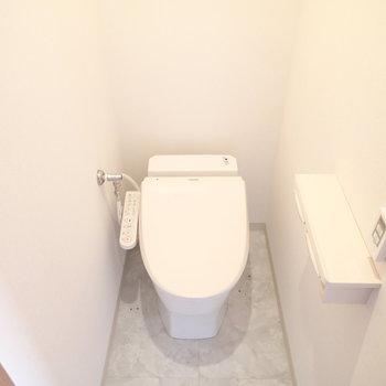 トイレもタンクレスの新品です!
