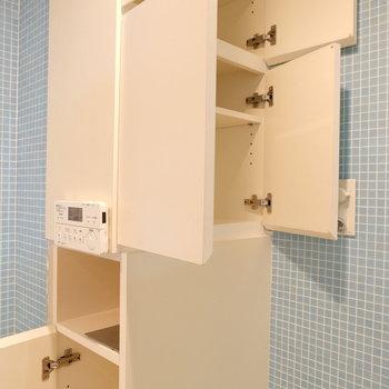 トイレ横の収納便利!