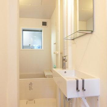 長方形の洗面台