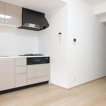 キッチンはしっかりと※写真は反転間取り別部屋のものです
