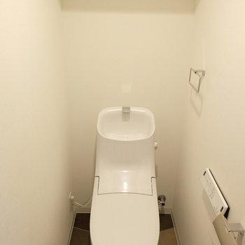 にょーんとトイレ※写真は反転間取り別部屋のものです