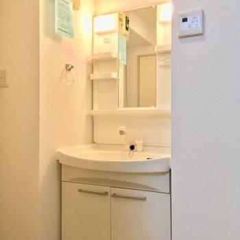 洗面台も独立してますね◎