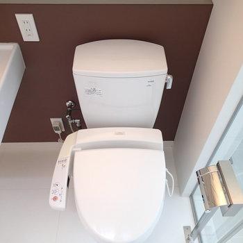 トイレも個室ではありません