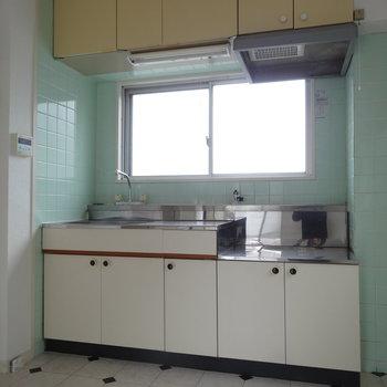 キッチンは昔ながらの雰囲気です。