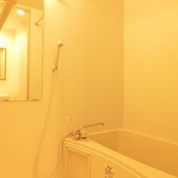 あたたかなお風呂。浴室乾燥機もついてます!!