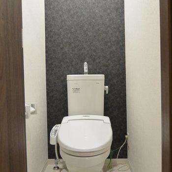 2階トイレはかなりきれい。
