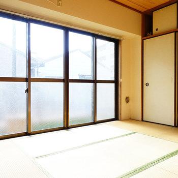 和室の窓が明るい!