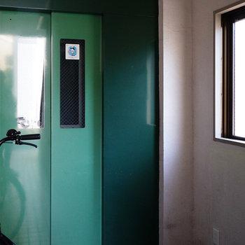 エレベーターもついてます!