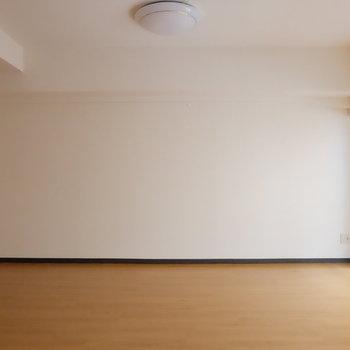 部屋全体が明るい