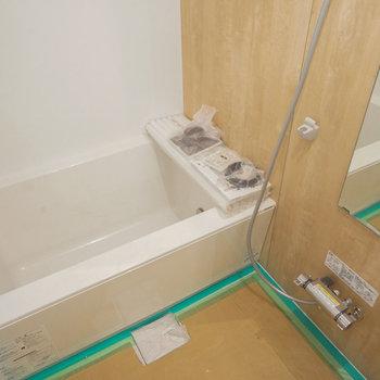 新しいお風呂が来ました!※写真は工事中です