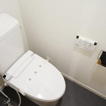 トイレも新品ウォシュレット付き!