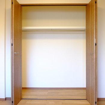 【洋6】もちろん収納もあるので、個人の部屋としてお使いいただけます。