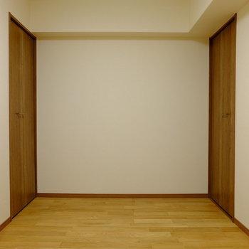 【納戸】なんと5.1帖!個室としても使える広さですね。