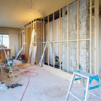 玄関からの入り口は扉付きます※写真は工事中です
