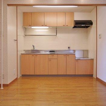 キッチンの横にはしご・・・?※写真は前回募集時のもの。
