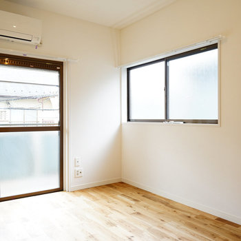 1つの寝室は2面採光!※写真はイメージです