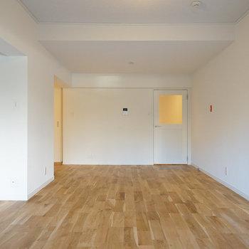 この広さ、家具の配置も自由◎