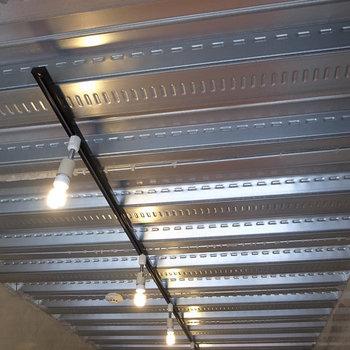天井が良いですねー。※写真は別部屋です。