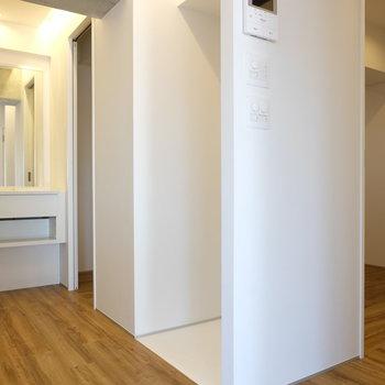 白床は冷蔵庫置場のくぼみ