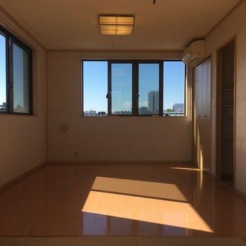 琉球畳の反対側にも窓