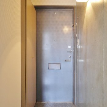 玄関はシンプルに。
