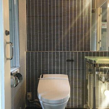 トイレのフォルムも美しい