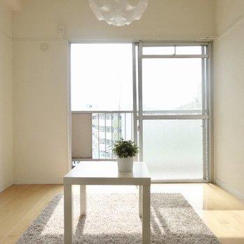 4.5帖の洋室は居間にぴったり。