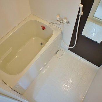 お風呂の蛇口はシングルレバーではありません
