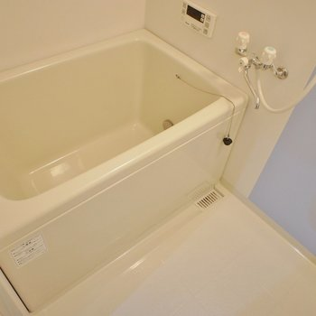お風呂もピカピカで清潔感