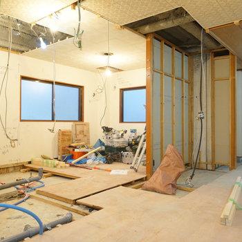 左手前は水回り、奥に寝室◎※写真は工事中です