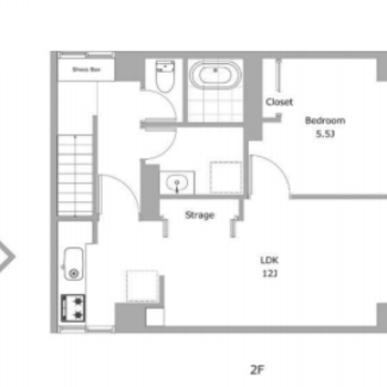 階段をあがり、上階に居室があります。
