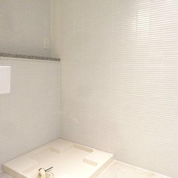 洗濯パンも水回りにしっかりあります。(※写真は3階の同間取り別部屋のものです)