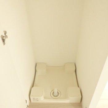 トイレ横の洗濯機置き場