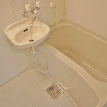 洗面とお風呂は同室タイプ