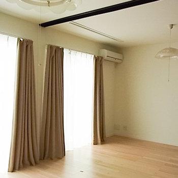 1階の寝室です!高級感〇