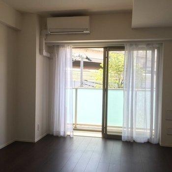 不思議と心落ち着くお部屋です。※写真は4階の同間取り別部屋のものです
