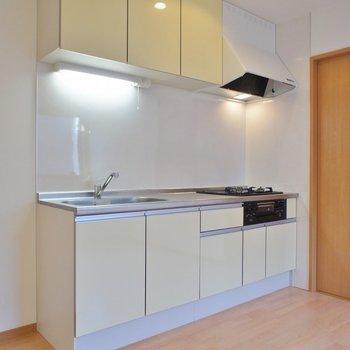 キッチンもかなり大き目!
