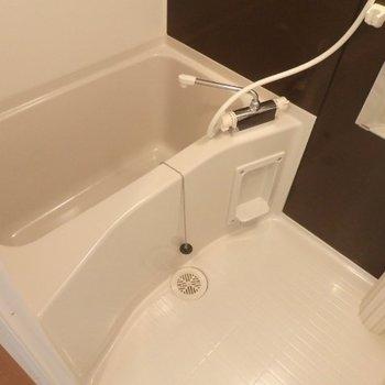 ピカピカのお風呂 ※写真は別部屋となります