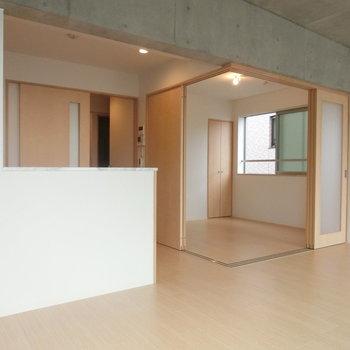 キッチンと洋室の配置