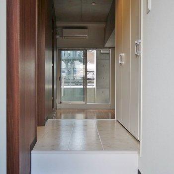 玄関もゆったりサイズ