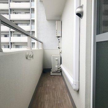 2つ目のバルコニー。(※写真は9階の同間取り別部屋のものです)
