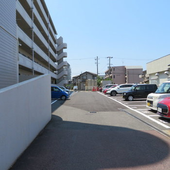 駐車場もありました