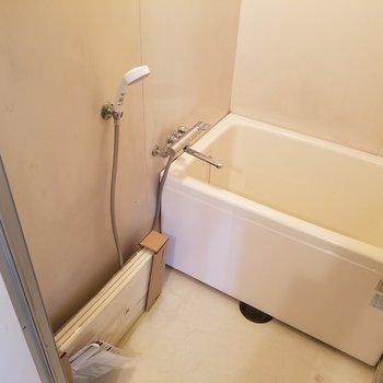 お風呂はいたってシンプルに。