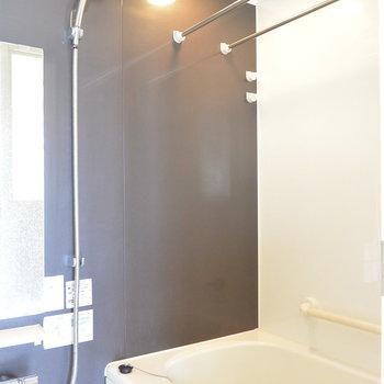 お風呂はこの茶色い壁がおちつく