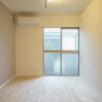 床はカバサクラで優しいお部屋に♪※写真は前回募集時のものです